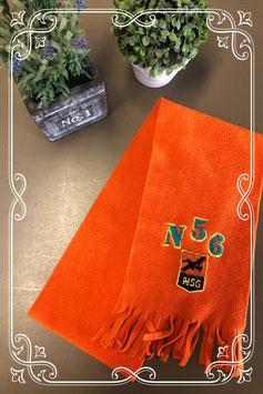 Leuke oranje sjaal met franjes en opdruk - voor 3-7 jaar
