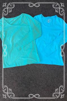 Groene longsleeve van C&A en blauwe longsleeve van Human Nature maat XS