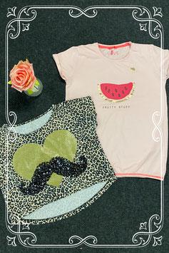 Leuk kort shirt met print en roze shirt van Hema maat 158-164