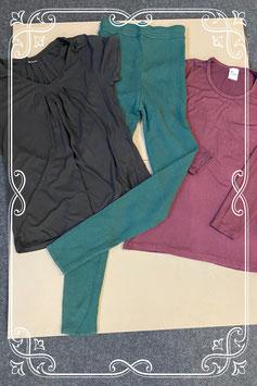 3-delig setje met groene leggiing van Esprit en bordeauxrode longsleeve van Foxy en zwart shirt in maat XL