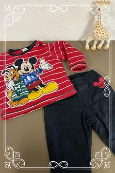 Heerlijke warm pak van Disney Maat 74