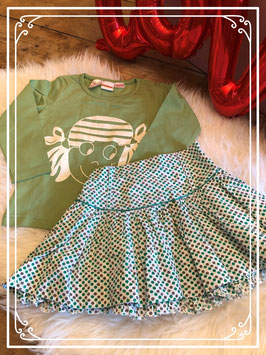Groen T-shirt met lange mouw met print - wit rokje met groene en grijze stipjes - maat 86