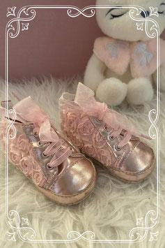 Roze babyschoentjes van het merk Miyuebb
