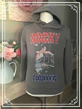 Grijsbruine sweater met Rocky van My Brand - maat 134-140