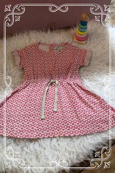 Leuk jurkje met een roze/wit patroon van Noppies - maat 74
