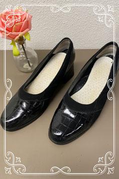 Nieuw! Zwarte schoen met blokhak van Claire maat 40