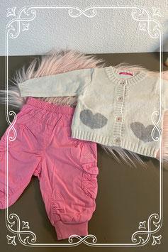 Roze broek van Mexx maat 50/56 en wit vestje van Hema maat 56
