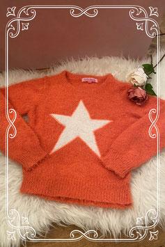 Heerlijke fluffy trui in zalmroze met witte ster van fashion favorite - maat 134-140