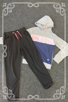 Leuke zwarte broek van Coolcat en trui van Girl Squad maat 146/152