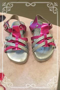 zilver/roze sandaaltjes - maat 24