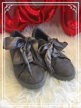 grijze schoenen maat 35