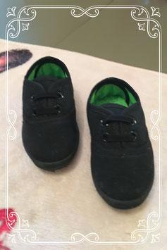 Nieuwe lage zwarte schoentjes van Slazenger - maatje 19.5