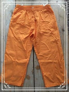Nieuw: Luchtige geel/oranje driekwart broek  - Maat XL