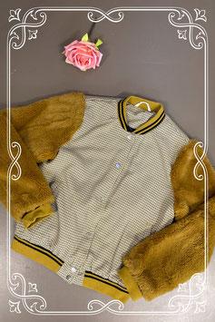 Stoere jas met fluffy mouwen van Shein maat 152