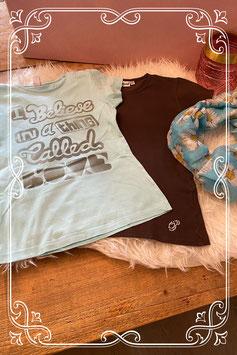 2 T-shirts met sjaal van verschillende merken - Maat 140