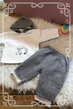 Nieuw: schattig grijs pyjamaatje van newborn - maatje 62