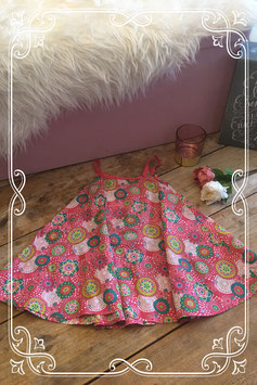 Zomers jurkje met spaghettibandjes en bloemenmotief van het Merk - Hema - Maat 92