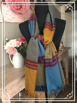 Heerlijk warme sjaal nieuw