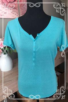 Groen shirtje met v-hals-maat M