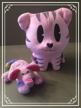 Roze knuffelpoes en olifant