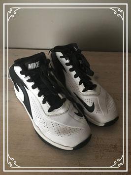 Zwart/witte sneakers van Nike - Maat 34