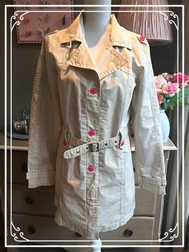 Prachtige beige trenchcoat van Reset Girls - maat S