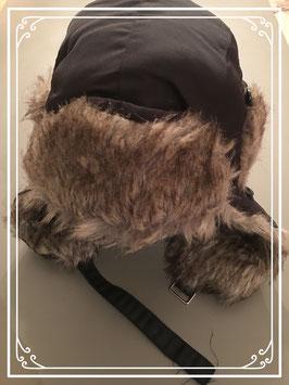 Nieuw: donkerbruine Russische muts - tot hoofdomtrek 55 cm.