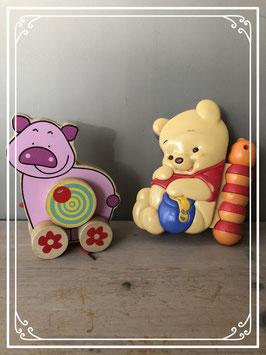 Speelgoed loopvarken en winnie the pooh activityboekje - vanaf 6 maanden