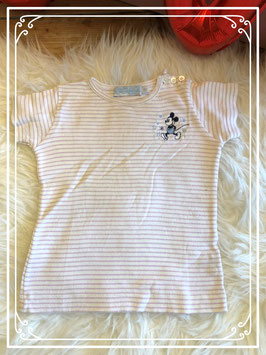 paars vestje met v hals  van disney en wit T_shirt met korte mouw in maat 92.