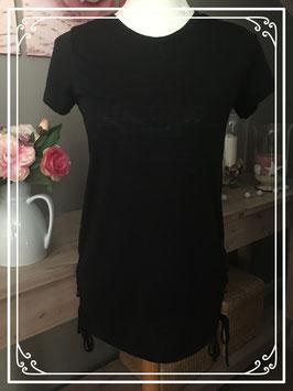 Zwart T-shirt met leuk strik effect aan onderkant - Maat 32