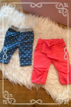 roze en blauw broekjes van prenantal en Early days - maat 62