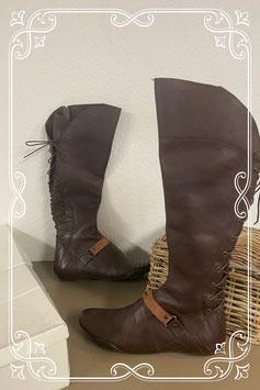 Nieuw! Hoge donkerbruine laarzen in maat 41