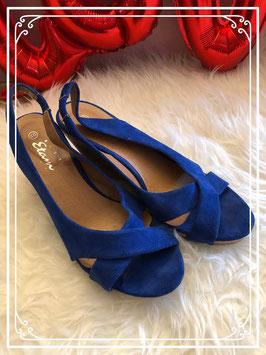 Mooie blauwe sleehak schoenen van Miss Etam maat 40
