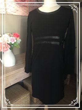Zwarte lange jurk met leerdetails van Love2Wait - Maat M