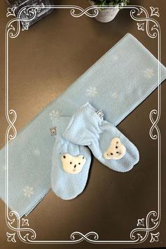 Lichtblauwe set met een sjaal en wanten - voor 3-5 jaar