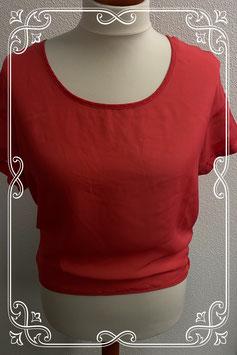 Ruimvallende en doorzichtige rood shirt van Only maat 38