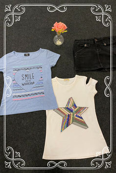 Zwart spijkerrokje van Vingino met wit shirt en een blauw shirt van Page One Young maat 134/140