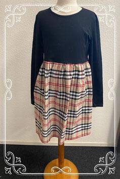 Leuk jurkje met geblokte rok van Shein maat 158