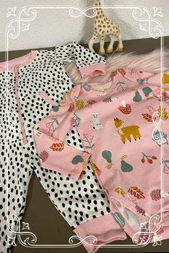 Schattige roze romper van Hema en wit met zwart en roze box pakje maat 62/68