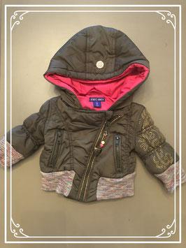 Stoere legergroene winterjas met roze accenten - maat 62-68