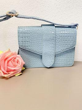 Nieuw: Een blauwe luxe schoudertas in croco-lak van Michelle