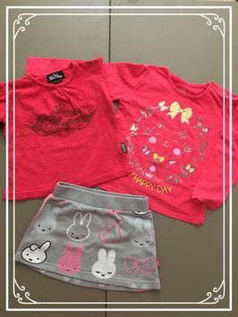 Twee rode t-shirtjes en Nijntje rokje - Maat 86