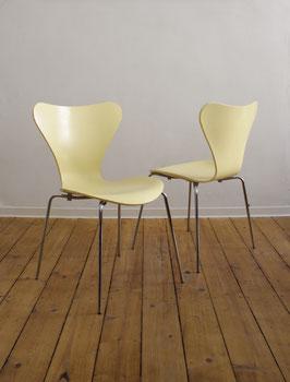 stapelbarer Stuhl 3107 von Arne Jacobsen für Fritz Hansen in lichtgelb