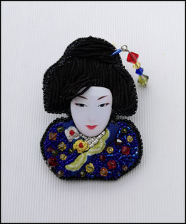 Broche Geisha