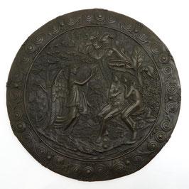 Placa de bronce representando a Adan y Eva