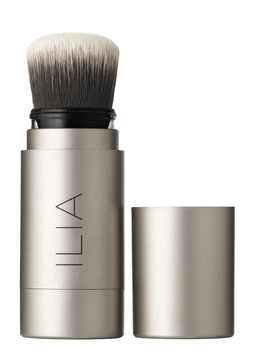 ILIA BEAUTY - TRANSLUCENT POWDER FADE INTO YOU MIT PINSEL