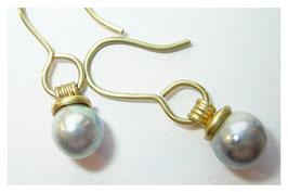 Zierliche Ohrhänger aus 750er Gold mit Zuchtperle