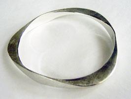 Silberarmreif, geschmiedet mit Querschnittverformung
