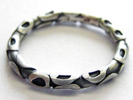 Silberring mit Struktur