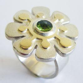 Blumenring, Silber mit grünem Turmalin und Gold Auflage